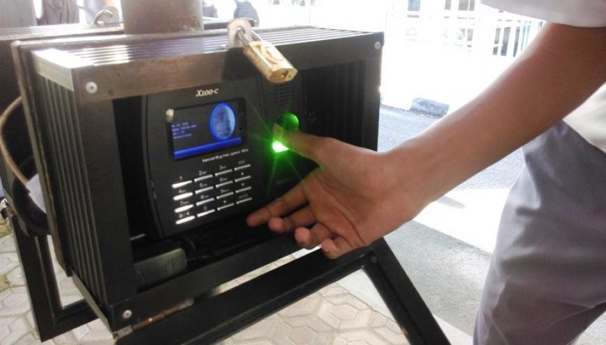 Sistem-absensi-fingerprint-di-SMKN-2-Pangkalpinang